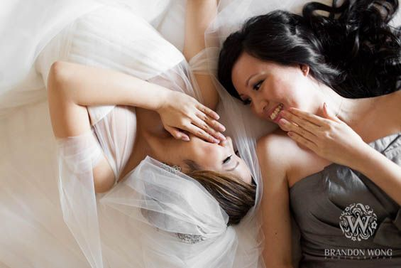 Must-have wedding photo idea for the bride and maid of honor (Brandon Wong Photography)