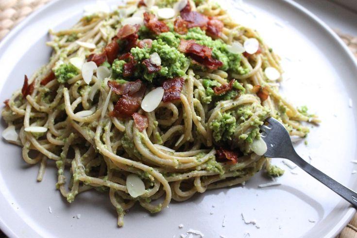 Dit super lekkere pasta carbonara rececpt is afkomstig uit Jamie's super food voor elke dag.
