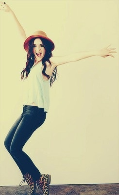 Isabelle Fuhrman from killer to .... killer!!! hahah