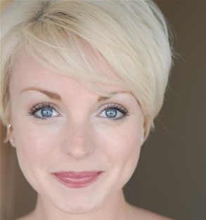 Helen George - Love her hair