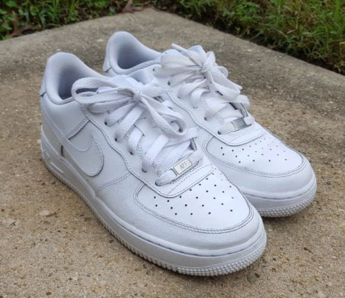 Womens athletic shoes, Nike air force