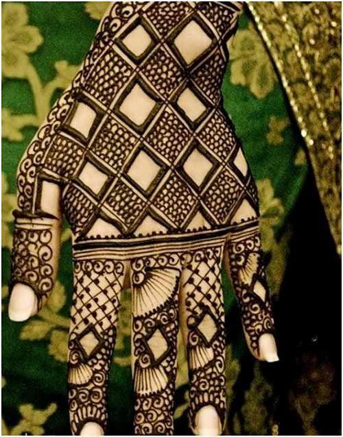 25 Outstanding Bridal Mehndi Designs