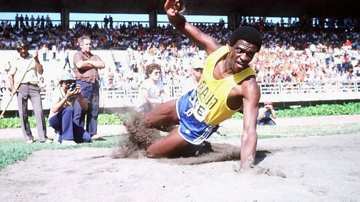 João do Pulo, recordista mundial do salto triplo