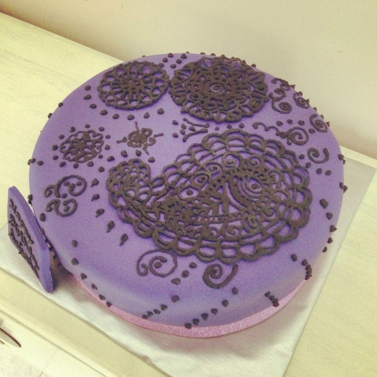 Mehndi Patterns For Cakes : Mehndi henna birthday cake design yummy fondant cakes