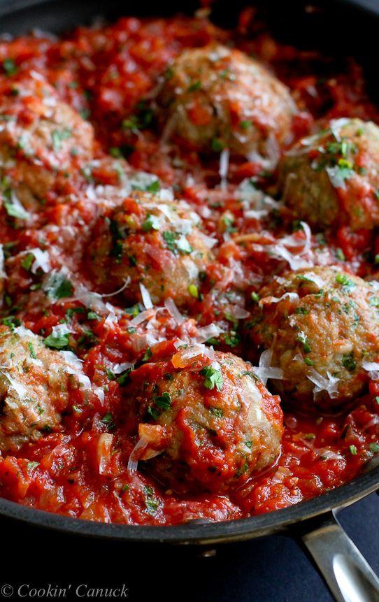 Italian Turkey Meatballs in Tomato Sauce Recipe...Healthy comfort food! 316 calories and 8 Weight Watchers PP   cookincanuck.com