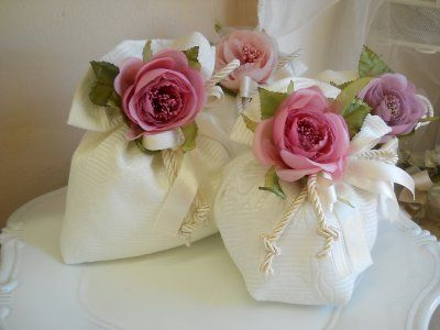 Sacchetti grandi con fiore cod- 23H - 23H1 linea fiori matrimonio - comunione