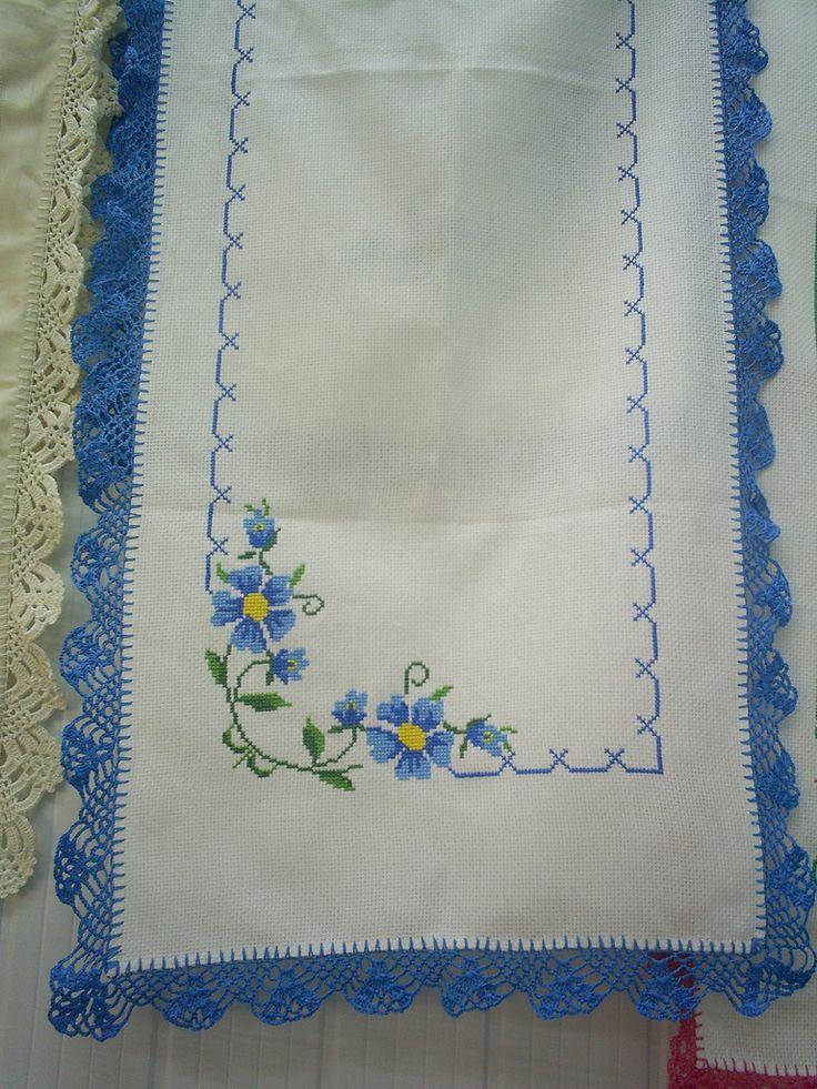 https://flic.kr/p/5quwY5 | Caminho de mesa branco com azul