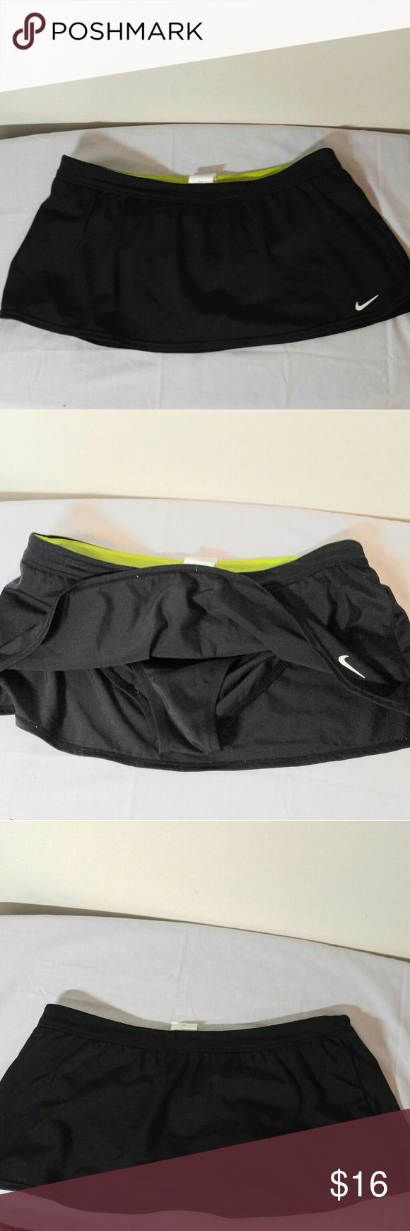 Nike Athletic Skort-Sz 10 Nike Skort-Like New! Skor t is 9 and 3/4 inches from waist to Hem Nike Shorts Skorts
