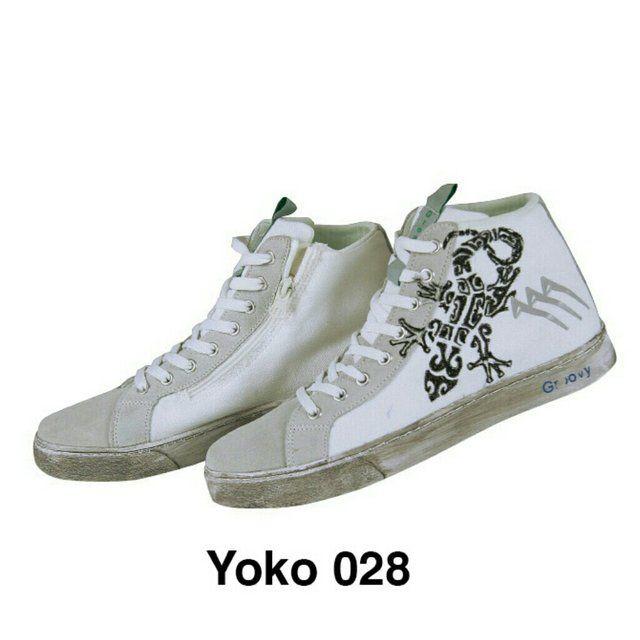 By @dmr_mancini http://www.depop.com/dmr_mancini  AGLA GROOVY - YOKO 028 - SNEAKERS DA UOMO/DONNA   MADE in ITALY  - DISEGNATE A MANO - Lacci grigi di ricambio compresi! EUR: 41/42/43/45 SS COMPRESE! Si consiglia di acquistare un numero in più rispetto al proprio! #Sneakers #Sneakersdauomo #sneakersdadonna #scarpe