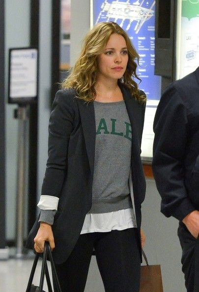 Rachel McAdams Photos Photos - Rachel McAdams arrives at LAX Airport on December…