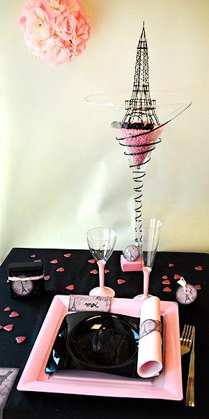 Décoration et centre de table paris, couleurs noir et rose #paris #wedding