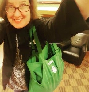 Starbucks upcycling: The Green Apron Tote Bag. Great idea (no instructions given.) From @starbucksmelody.