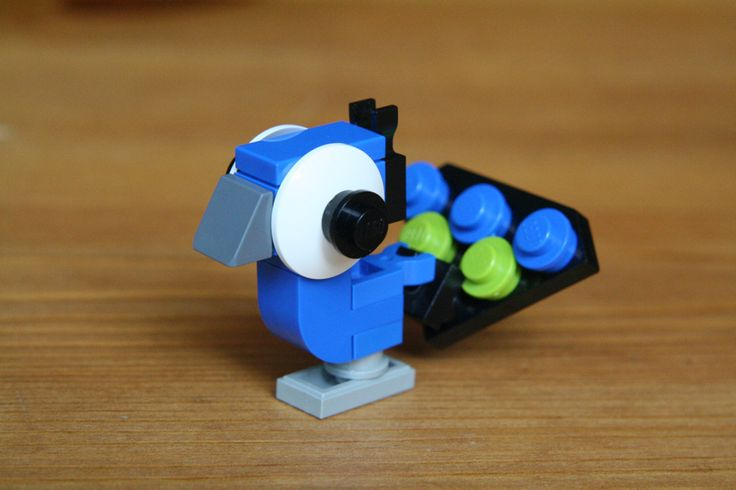 https://flic.kr/p/9hYpjm | Lego Peacock | another big eyed lego build