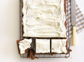 Prăjitură de morcovi condimentată Bucură-te de o prăjitură clasică, dar transformată astfel încât să îți poți menține silueta fără probleme. Rețete cu praf de copt, Reţete cu făină integrală, Craciun, Rețete ușoare și sănătoase, Reţete cu bicarbonat de sodiu, Zi de nastere, Rețete cu cartofi dulci, retete sanatoase, paste, Britanica, Reţete cu morcovi, Reţete pentru deserturi, Vegetariana, Reţete de deserturi, Reţete cu suc de portocale, Rețete de tarte și prăjituri, Anul Nou, Pentru ...