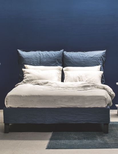 les 25 meilleures id es de la cat gorie lits avec oreillers sur pinterest projets de couture. Black Bedroom Furniture Sets. Home Design Ideas