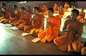 Clergé: -Bouddhisme: Des moines et des nonnes -Taoïsme: Un prêtre
