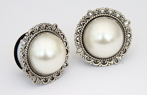"""Antique Silver Pearl Ear Plugs / Gauges 14mm (9/16""""), 16mm (5/8""""),18mm (11/16""""), 20mm"""