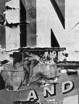 Aaron Siskind, North Carolina 30, 1951, gelatin-silver print,13 1/16 x 9 3/4 inches, Collection of Barbara and Gene Polk, Prescott, Arizona. © Aaron Siskind Foundation, Courtesy Silverstein Gallery, New York