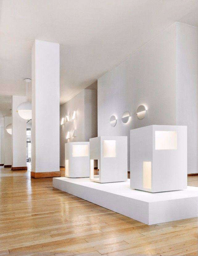 Get to know Richard Meier new minimal lighting collection
