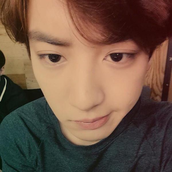 "150211 Chanyeol Instagram Update   ""피식"""