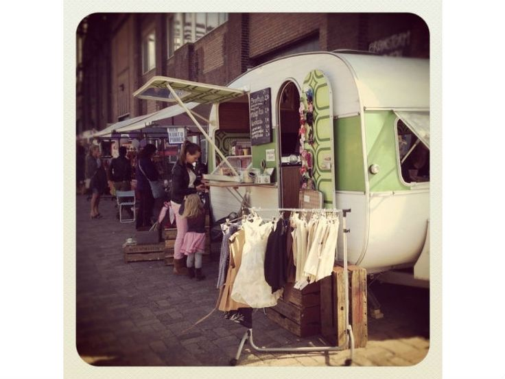 De Caravan: Spreading green love with pies and recycled products