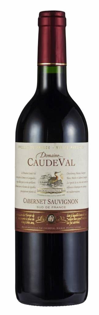 Domaine CaudeVal Cabernet Sauvignon Pays d'Oc IGP 2014 - Domaine CaudeVal bevindt zich in Malras bij Limoux, 23 km ten westen van Carcassonne in de Languedoc. De wijngaarden met een oppervlakte van 60 ha zijn geen aaneengesloten blok, maar bevinden zich in enkele dicht opeen gelegen, klimatologisch en bodemtechnisch zeer verschillende zones in de Midi. #rode wijn #wijn