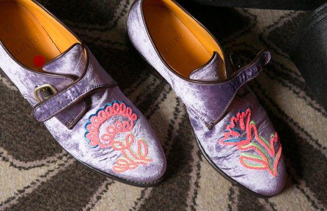 Sapato de veludo: tecido envolve os pés no inverno 2018 segundo a LFW