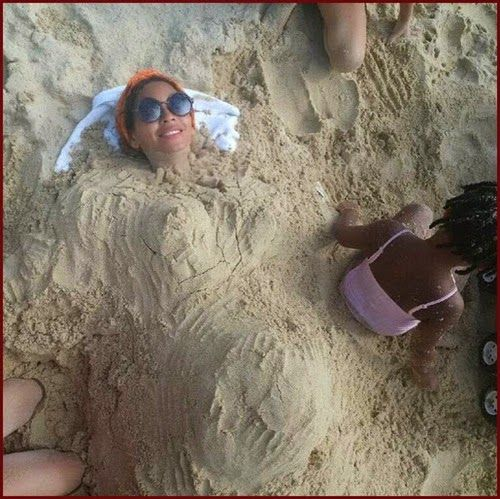 Is #Beyonce Pregnant? See Her Sandy Baby Bump Pic!...