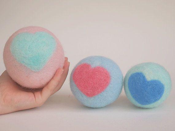Set de trois balles en laine feutrée teintures par MainsDeLaine