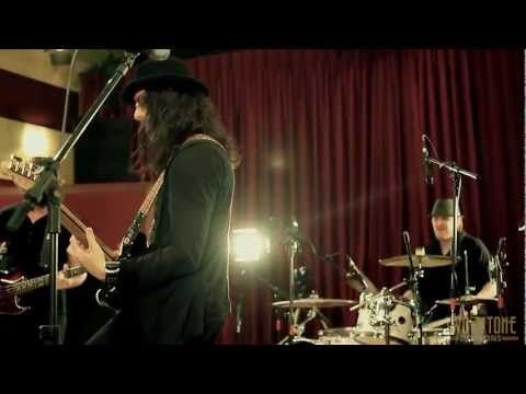 """laut.fm Blues Rock Radio Köln Karlsruhe: Two Tone Session - Richie Kotzen performing """"Fooled Again"""" http://musikkarlsruhe.blogspot.com http://laut.fm/bluesclub Gitarre NRW Baden Württemberg    Hey Friends and Fans,    Check out this new live video RK recorded a  few months ago in Brazil..."""