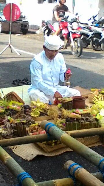 Mangku Sumerta Ngaben we rampin