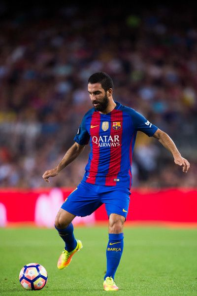 Arda Turan of FC Barcelona conducts the ball during the Joan Gamper trophy match between FC Barcelona and UC Sampdoria at Camp Nou on August 10, 2016 in Barcelona, Catalonia.