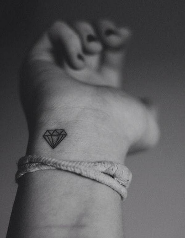 42 best tatouages images on pinterest tattoo flowers tattoo ideas and floral tattoos - Tatouage diamant poignet ...