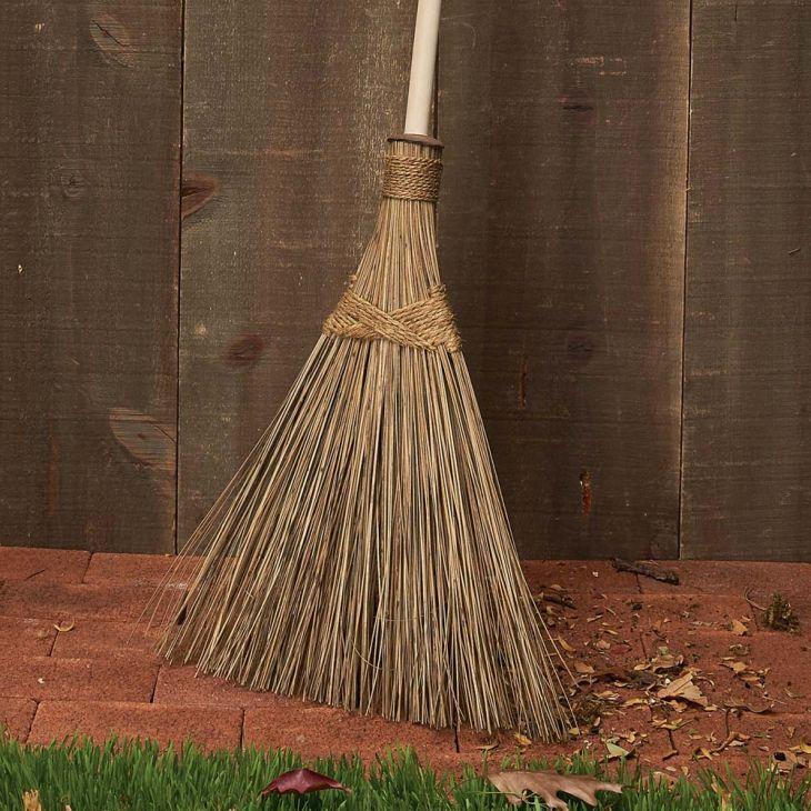 Fast-Working Outdoor Sweeping Broom Spectacular for outdoor debris