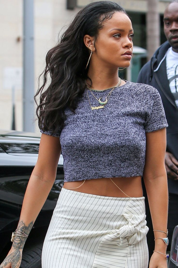 Boassy.com - Rihanna was spotted at La Scala restaurant in beverly hills  ... wearing a $200 Alice + Olivia crop top, a $670 J.W. Anderson high slit skirt, and $995 Stella McCartney Platform