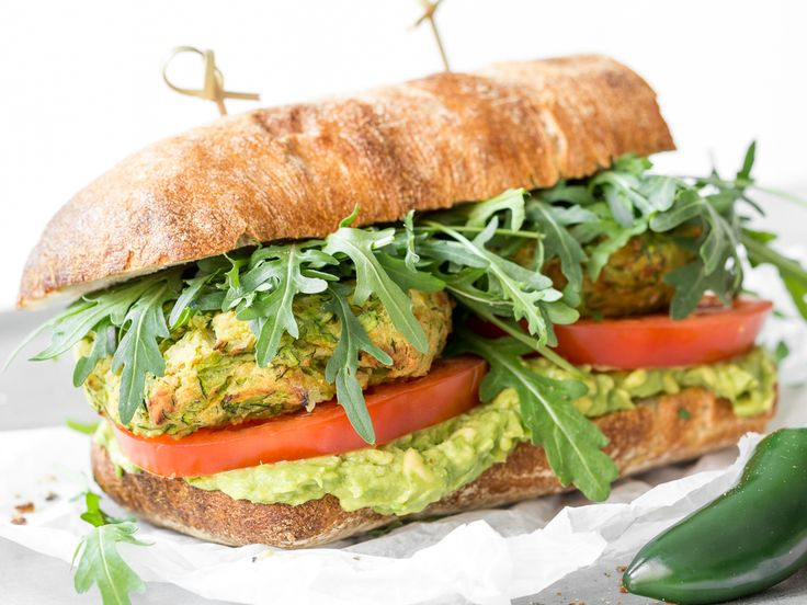 Fitness-Falafel-Guacamole-Sandwich