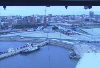 Queen Mary 2 - Bridge (Forward) Webcam / Camera in Port Elizabeth 15apr2015