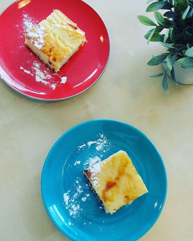 Νέα ανάρτηση στο blog!!!Παραδοσιακή Γαλατόπιτα Βόλου. Στρώματα λεπτού φύλλου στη βάση πασπαλισμενα με καρύδια, ζάχαρη & κανέλα 😋😋😋Μόλις τη δοκιμάσεις θα καταλάβεις 😉(Link στο προφιλ)..New post on the blog !!!A traditional milk pie .With fyllo Iayers on the bottom,  spread each layer with nuts, sugar & cinnamon .(Link in profile for recipe).. .#newrecipe #milkpie #γαλατοπιτα #traditionalrecipe #galatopita #volosrecipe #greekrecipe