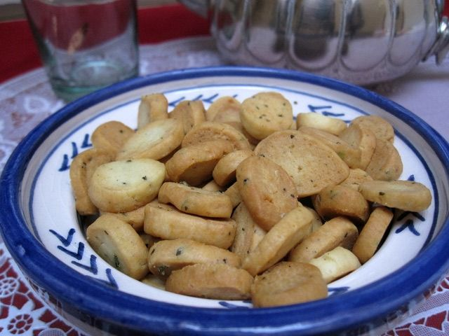 This crunchy, cracker-like snack is flavored with za'atar (wild thyme).