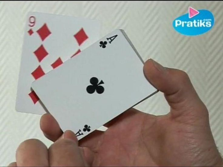 Le magicien Hervé Pailler nous explique un tour de magie : la carte montante. Comment faire émerger une carte d'un jeu avec un cheveu. Un tour de magie facile à réaliser. Il vous faudra simplement un jeu de cartes. Explication en vidéo.