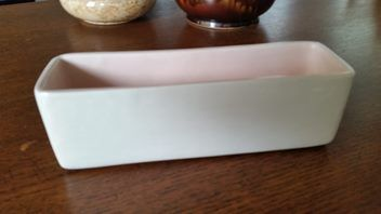 Nice vintage trough vase by O.C.Stephens of Dunedin in white with baby pink interior.  24 cm long,7 cm wide and 7.5cm high