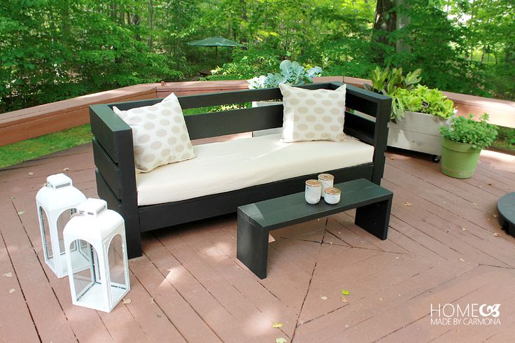 Modern Outdoor DIY Sofa - free build plans