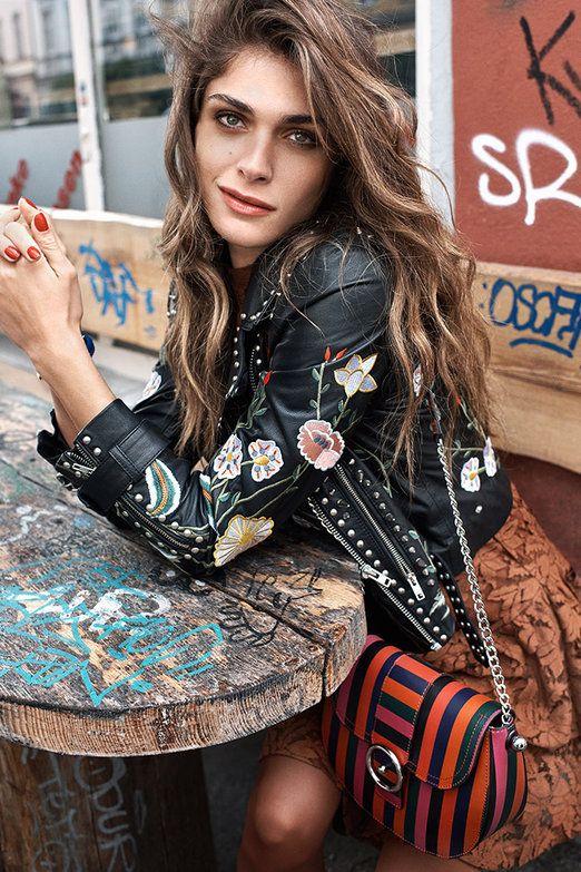 La nueva colección de la tienda de moda online cobra vida a través de los iconos de estilo Veronika Heilbrunner, Josephine de La Baume, Elisa Sednaoui y Saskia de Brauw.