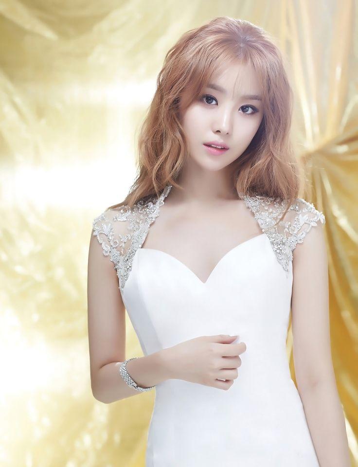 Song Ji Eun for Wedding21 Korea