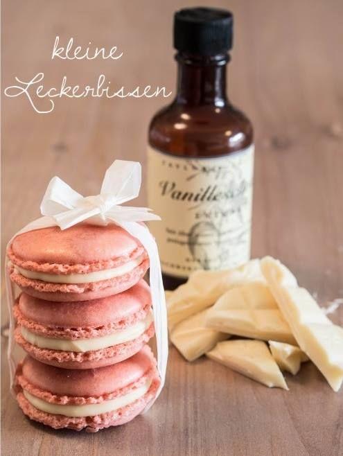 Französische Macarons mit weißer Schoko-Vanille-Creme Rezept eingesendet von: Anne Scire   #Macarons #Dessert