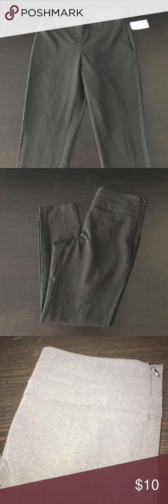 Black ankle length slim fit pants Black ankle length slim fit pants with waist detail. Forever 21 Pants Ankle & Cropped
