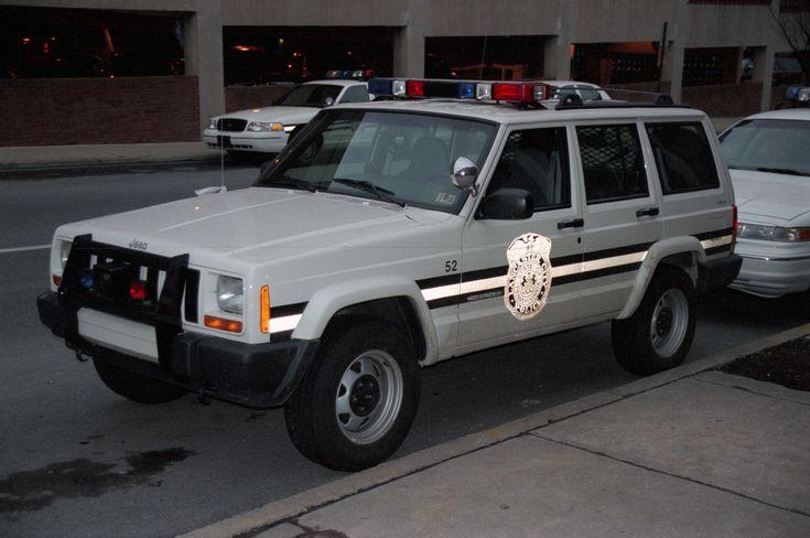 https://flic.kr/p/bFBr7x   Lancaster (PA) Police Jeep Cherokee   Lancaster City (Pennsylvania) Bureau of Police Jeep Cherokee. [700si-013-15]