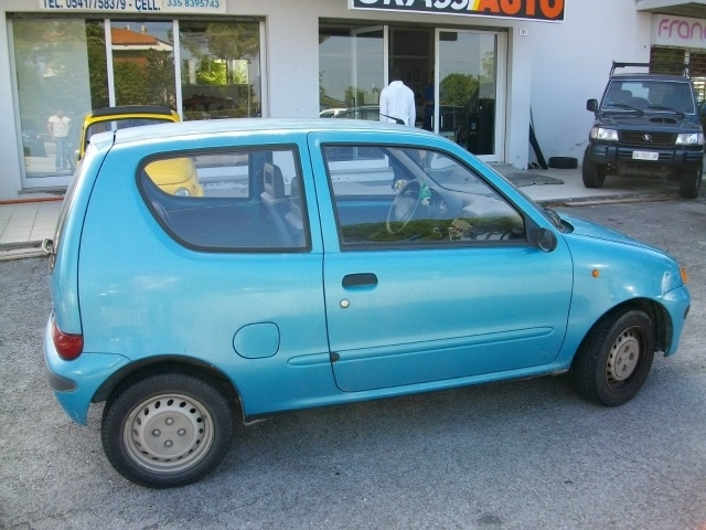 Fiat Seicento 900 FUN a 899 Euro City car 31.000 km