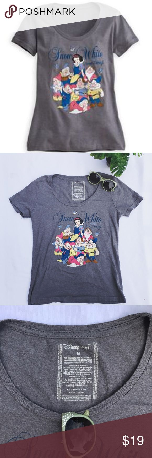 Friday sale!❄️Snow White Tee EUC ❄️ Snow White ❄️ t-shirt. Only worn a couple of times. 50% organic cotton 50% polyester. Machine wash, tumble dry low. Size chart above for your convenience. Buyer assumes responsibility for fit/comfort/personal taste. Listing is for shirt only. Actual colors may vary. ❌no trades ✔️Poshmark only. Washed and ready to wear 🙌🏻 Disney Tops Tees - Short Sleeve