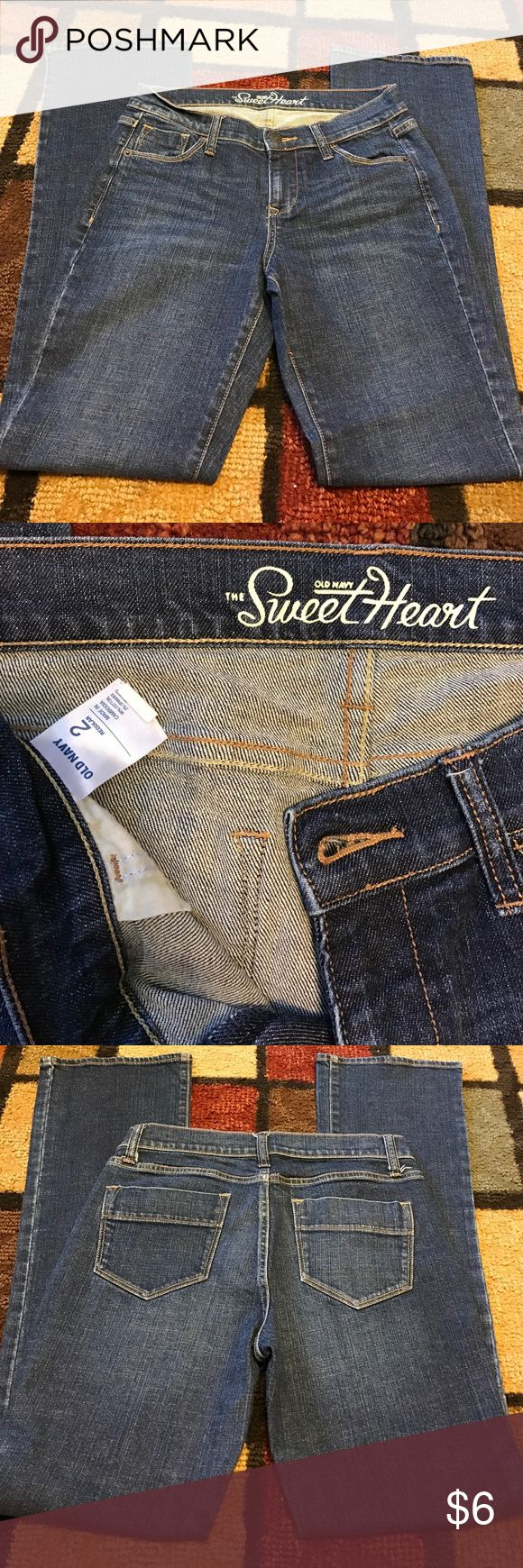 """The sweet heart old navy jeans size 2 regular The sweet heart....old navy...size 2 regular.... good condition...approx 30"""" inseam Old Navy Jeans Boot Cut"""